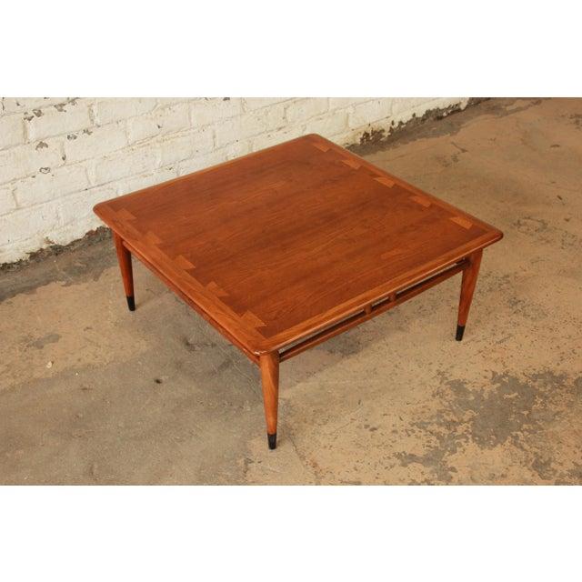 Lane Blonde Coffee Table: Lane Acclaim Mid-Century Coffee Table