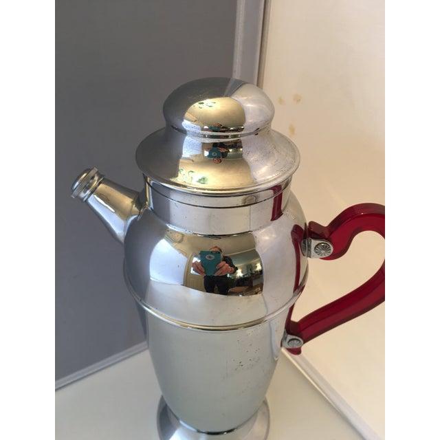 Image of Mid-Century Chrome & Bakelite Cocktail Shaker