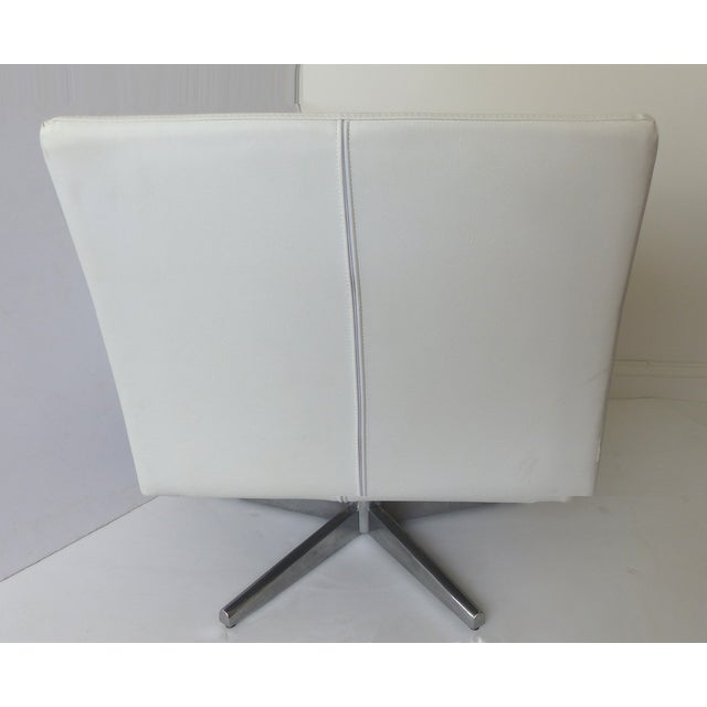 Modernist White Leather Swivel Chairs - A Pair - Image 6 of 10