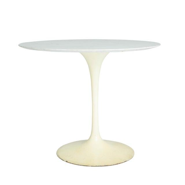 """Marble """"Tulip"""" Dining Table by Eero Saarinen - Image 1 of 5"""