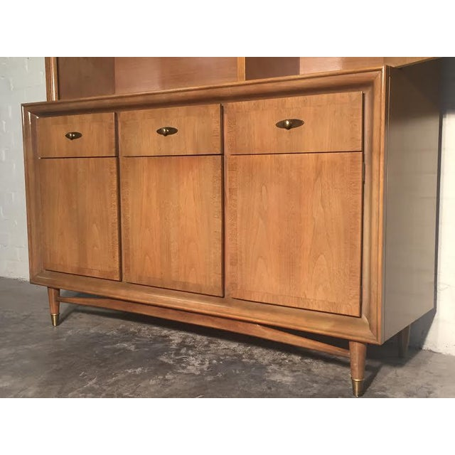 Mid-Century Modern China Cabinet by Kroehler - Image 8 of 9