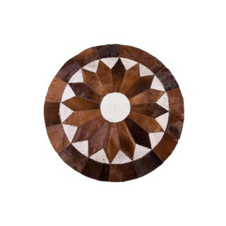 "Sun Ray Cowhide Patchwork Area Rug - 5'11"" x 5'11"""