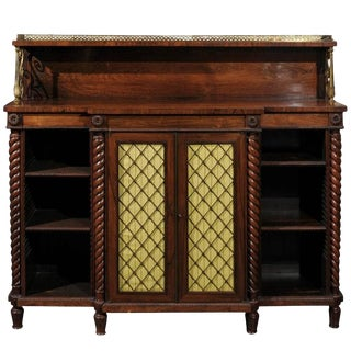 English 1820s Regency Rosewood Cabinet with Doors and Multiple Inner Drawers