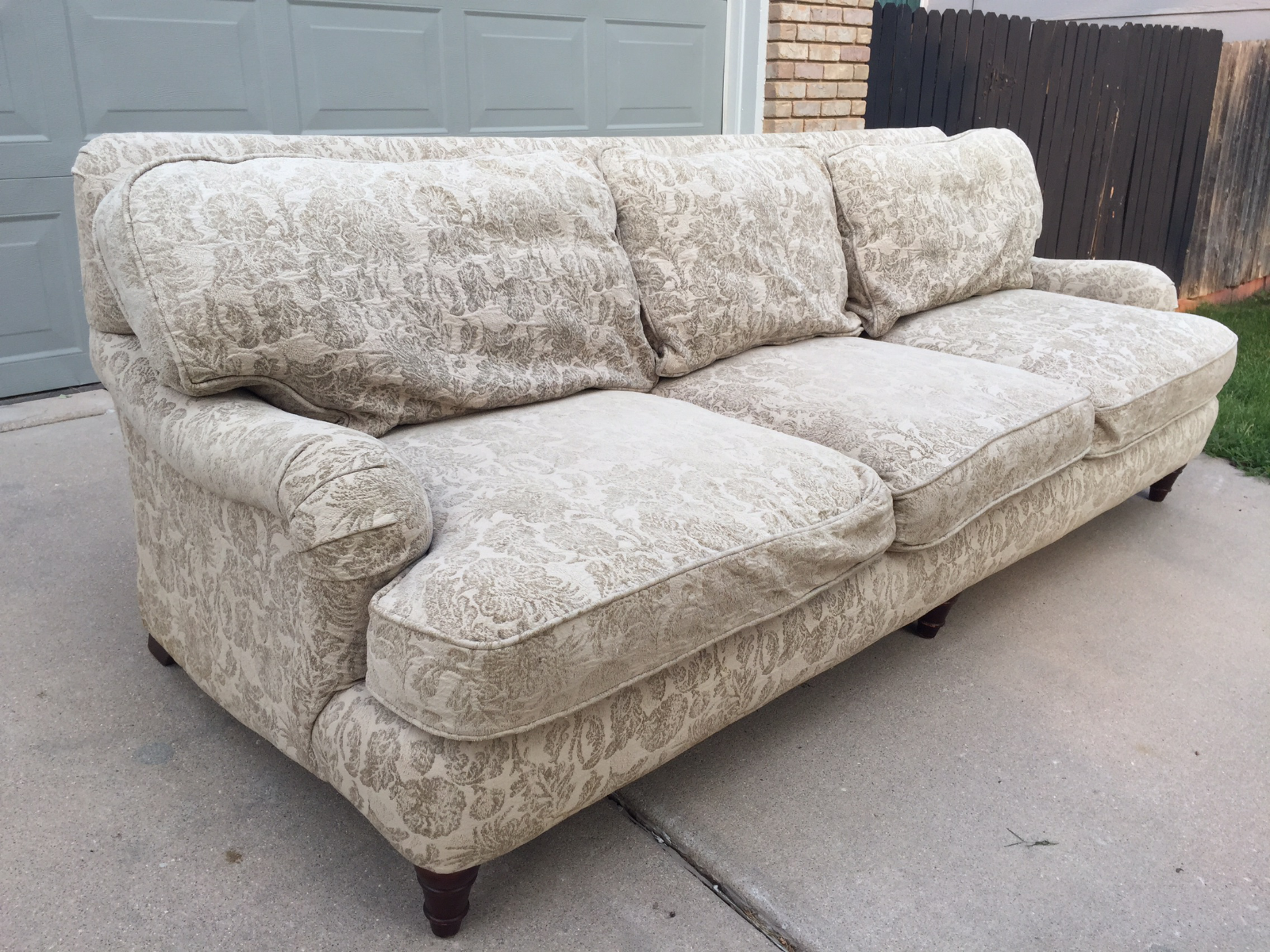 High End Bernhardt English Rolled Arm Sofa   Image 2 Of 8