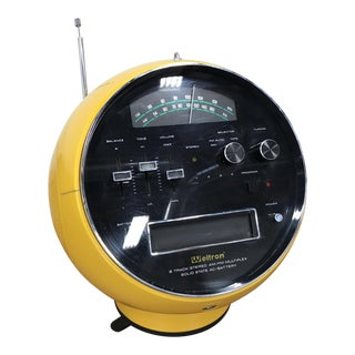 Yellow Weltron 2001 Radio & 8 Track Player