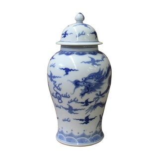 Chinese Fine Blue White Porcelain Handpainted Dragon Small Jar