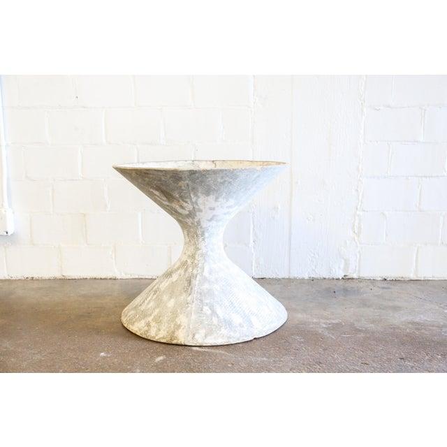 White Hourglass Planter - Image 5 of 6