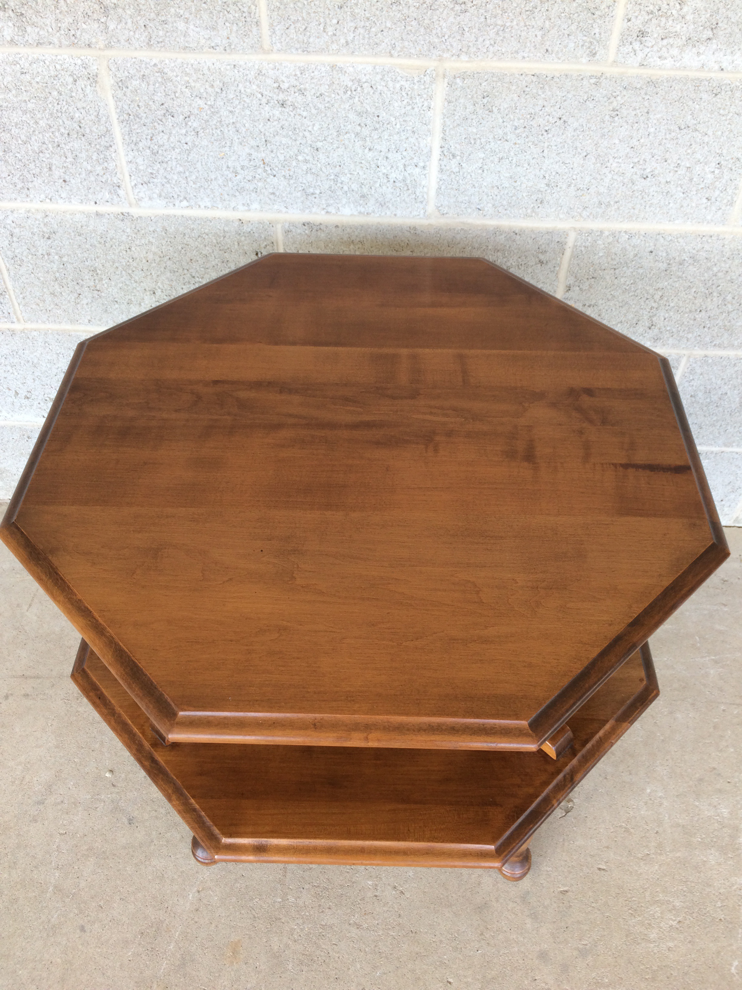 Moosehead Furniture 2 Tier Maple End Table   Image 3 Of 8