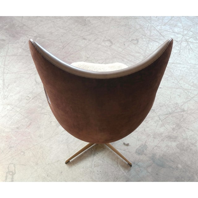 Golden Egg Chair Special Anniversary Edition by Fritz Hansen - Image 7 of 11