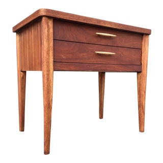 Mid-Century Broyhill End Table