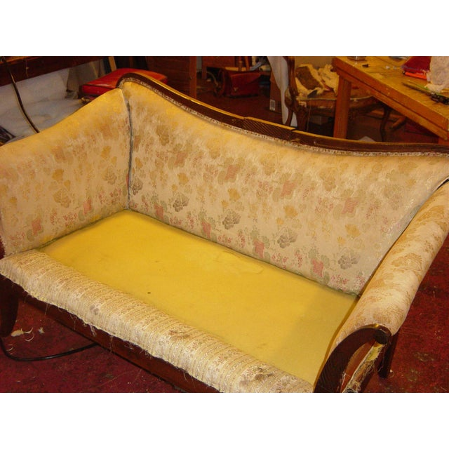 Traditional Settees with Floral Upholstery - A Pair - Image 3 of 10