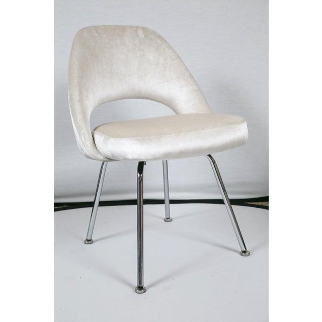Saarinen executive ivory velvet armless chair chairish for Saarinen executive armless chair