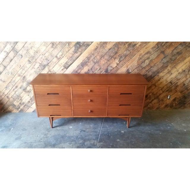 9-Drawer Mid-Century Dresser - Image 4 of 6