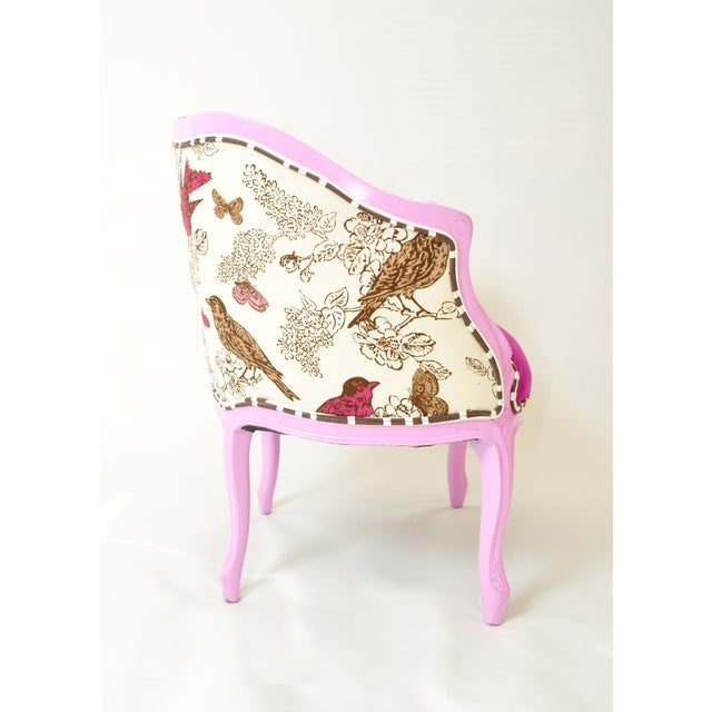 French Provincial Barrel Chair in Magenta - Image 5 of 5