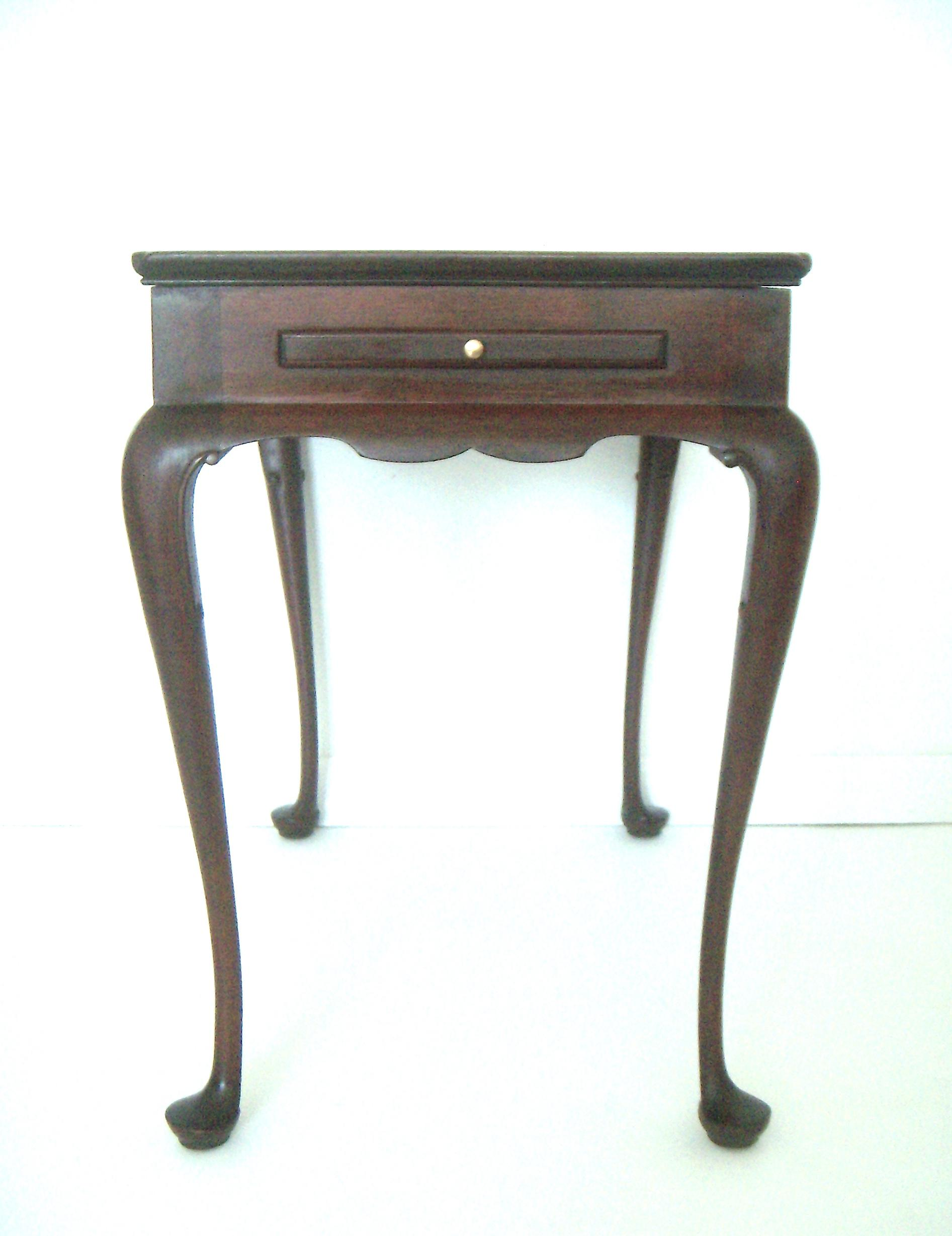 Biggs Pembroke Mahogany Side Table W/ Pull Out Leaves   Image 2 Of 8