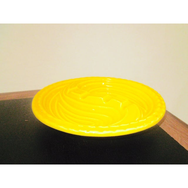 Mid-Century Modern Atomic Yellow Ashtray Dish - Image 6 of 8