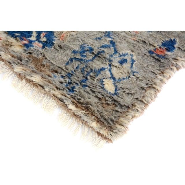 "Moroccan Arya Brendon Gray & Blue Wool Rug - 4'8"" x 6'9"" - Image 4 of 8"