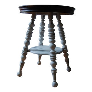 White Spindle Leg Table