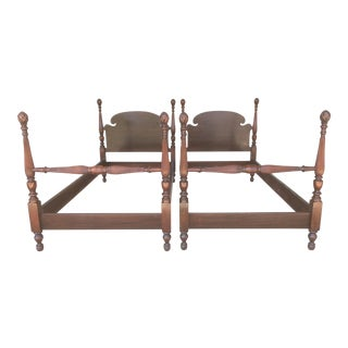 Huntley Furniture Mahogany Single Pineapple Poster Beds - A Pair