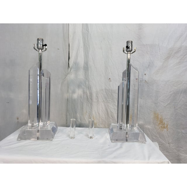 Mid-Century Acrylic Lamps - a Pair - Image 5 of 11
