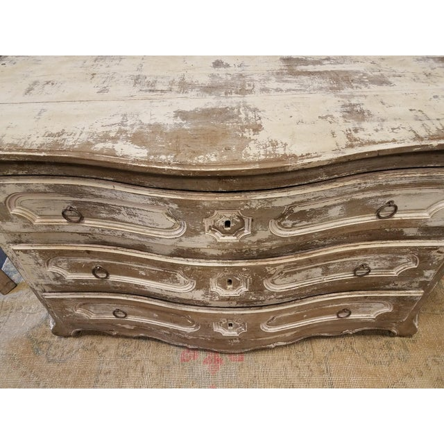 Antique White Painted Louis XV Three Drawer Commode With Serpentine Front - Image 5 of 8