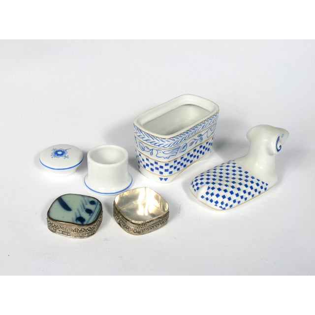 Blue and White Boxes - S/3 - Image 3 of 3