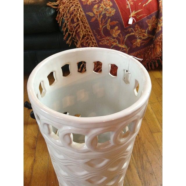 White Ceramic Umbrella Stand - Image 8 of 11