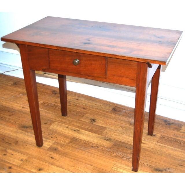 Image of American Antique Hepplewhite Tavern Table