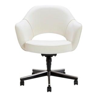 Saarinen Executive Arm Chair in Ivory Basket Weave, Swivel Base