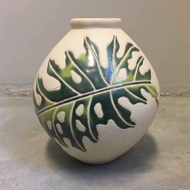 Cream & Green Ceramic Vessel - Image 2 of 4