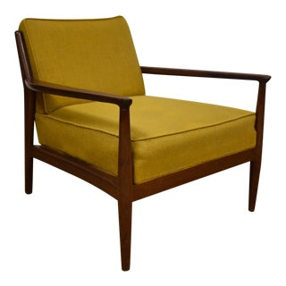 Yellow Mid-Century Modern Lounger
