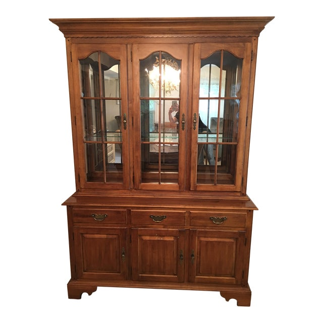 Ethan Allen Maple China Cabinet - Image 1 of 9