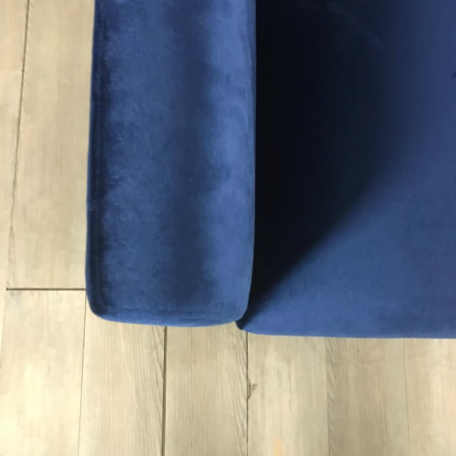 Modern Royal Velvet Navy Blue Sofa - Image 6 of 11