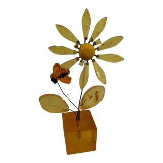 Vintage Resin Daisy & Bumble Bee Paper Weight