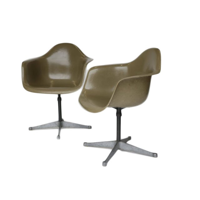 Charles Eames Bucket Swivel Chair - Pair - Image 2 of 8