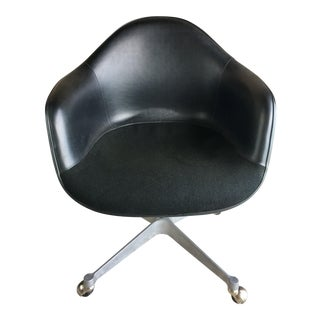 Eames 1st Edition Fiberglass Shell Chair