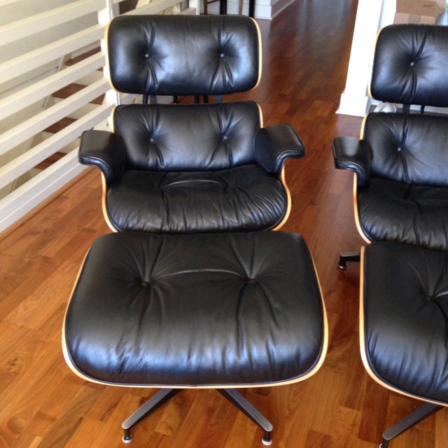 Eames 670 Lounge Chairs & 671 Ottomans - a Pair - Image 3 of 11
