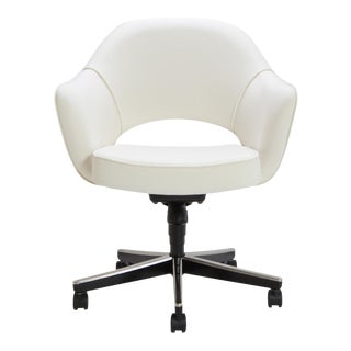 Saarinen Executive Arm Chair in Ivory Basket Weave, Swivel Base