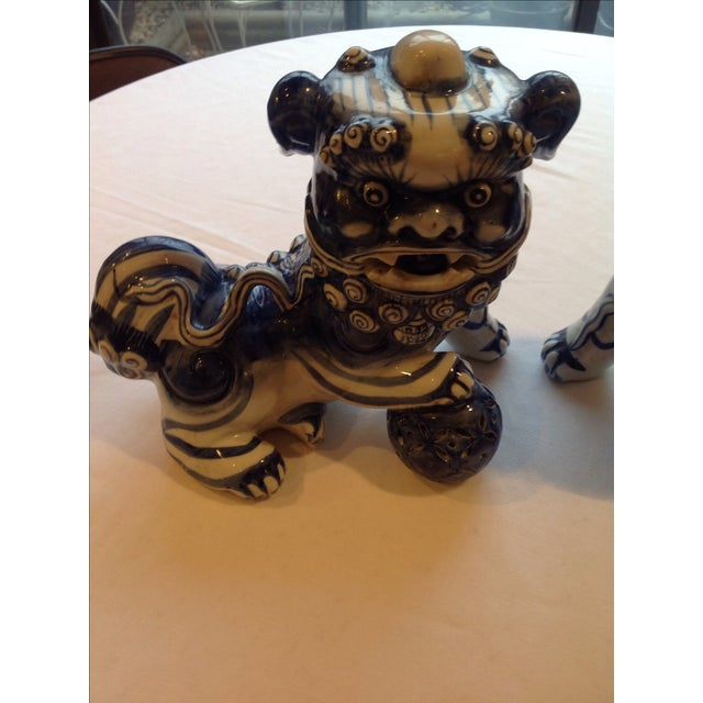 Blue & White Porcelain Foo Dogs - A Pair - Image 7 of 7