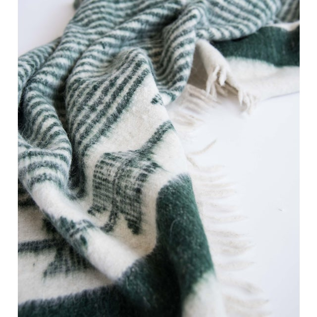Green and White Wool Blanket - Image 3 of 6