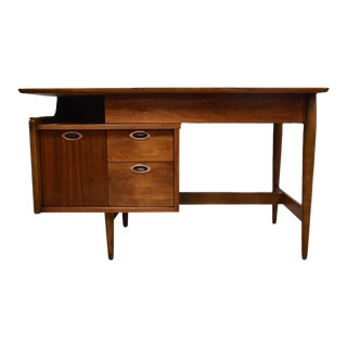 Mainline by Hooker Floating Desk