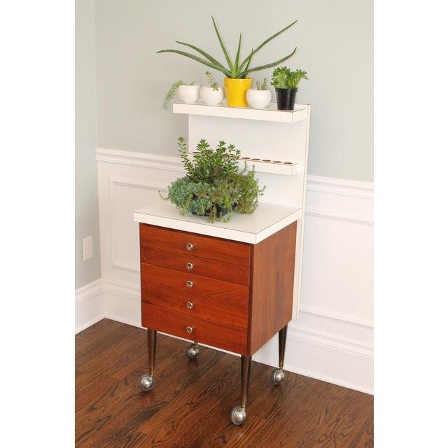 Vintage Rosewood 5-Drawer Cabinet on Casters - Image 5 of 9