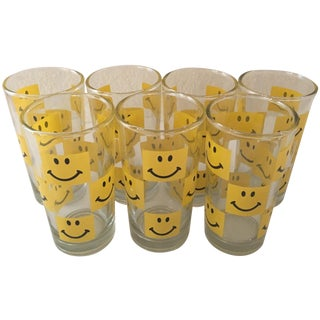 Mid-Century Retro Smiley Face Glasses