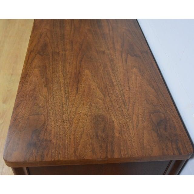 Broyhill Saga Star Studded Dresser - Image 7 of 11