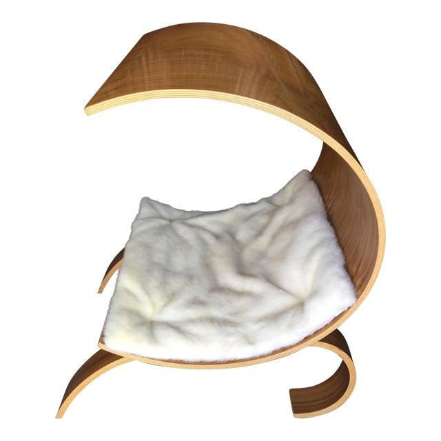 Image of Vurv Dog Pod Pet Bed