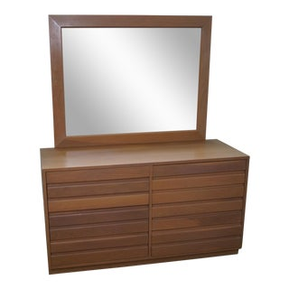 Sligh Cross Country Collection Mid-Century Dresser with Mirror