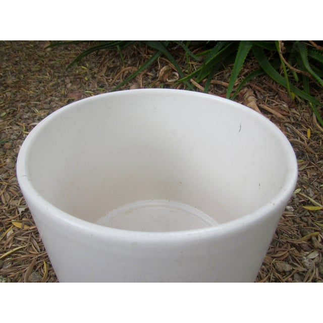 Gainey Architectural Modern Pottery Planter Pot - Image 3 of 6