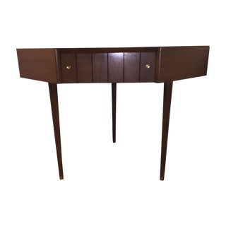 Kroehler Mid-Century Walnut Corner Table