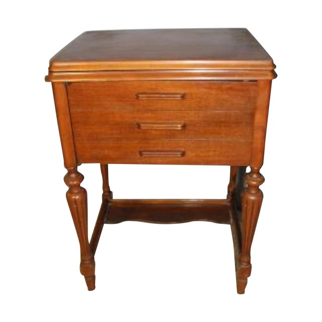 Antique Sewing Machine Cabinet From 1926 - Image 1 of 8