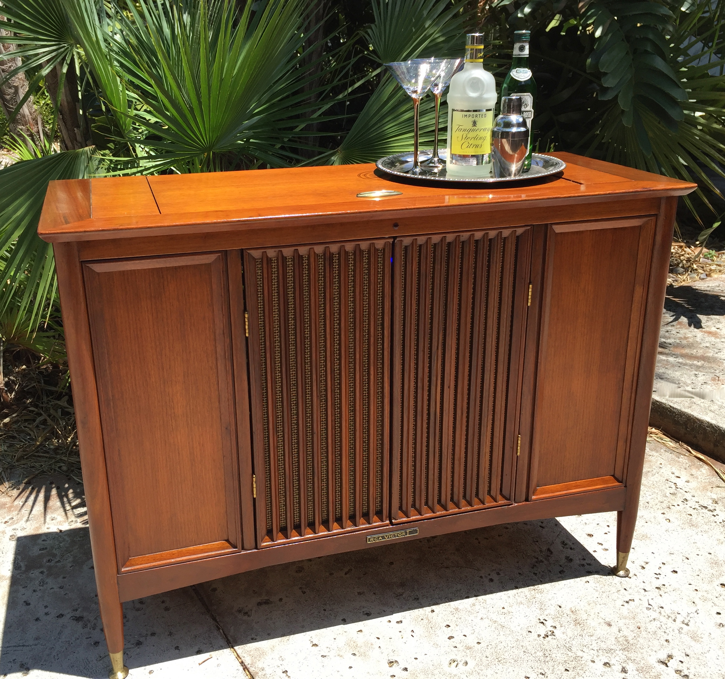 Mid Century Retro Fit Stereo To Bar Cabinet   Image 4 Of 11